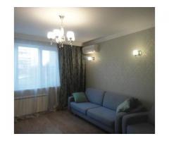 Сдаю бесплатно одной иногородней девушке отдельную комнату в двухкомнатной квартире в Москве.